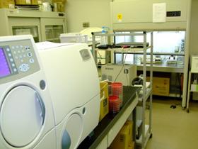 細菌検査室